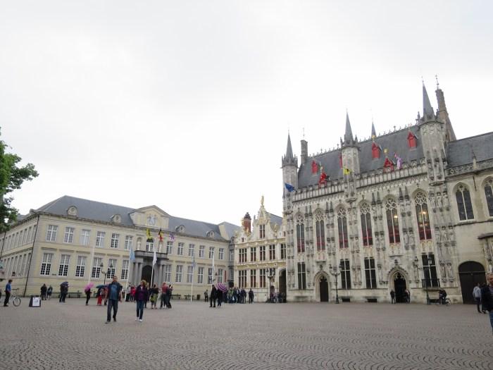 Visiter Bruges fauteuil roulant Burg