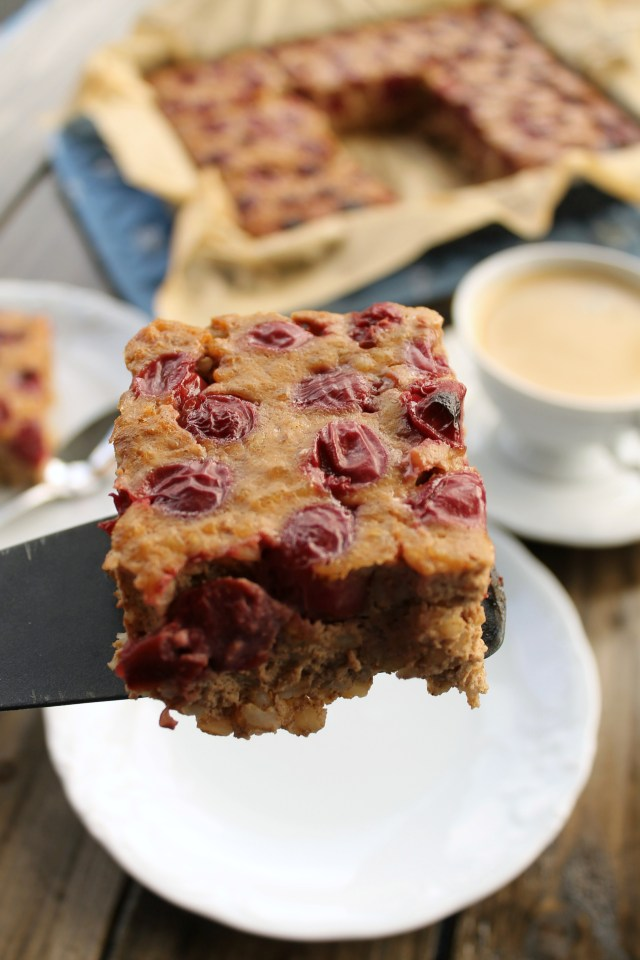 cinnamon cherry bake