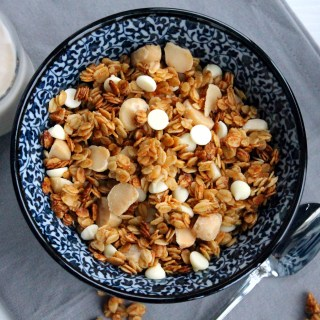 White Chocolate Macadamia Granola