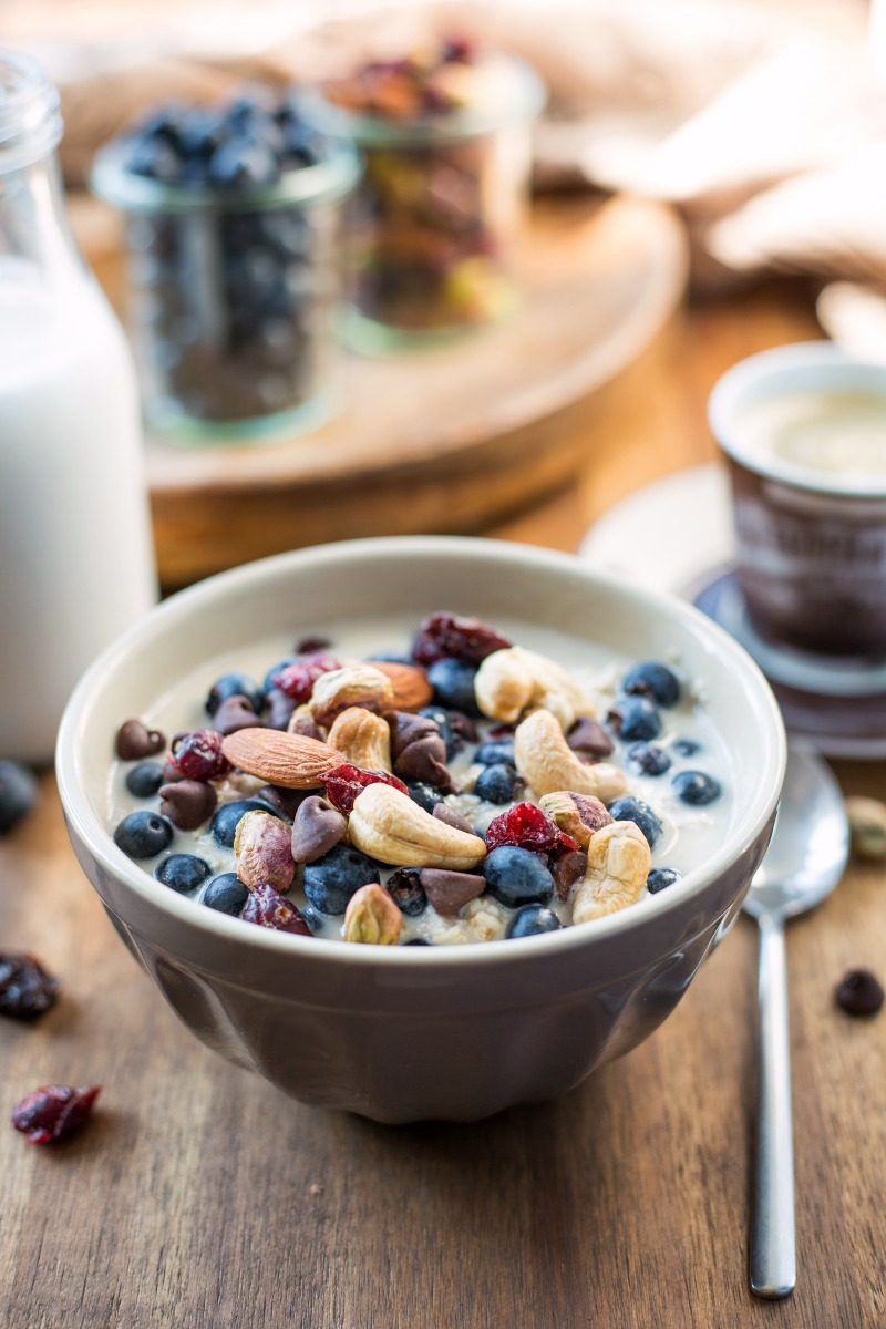 trail-mix-overnight-oats-20