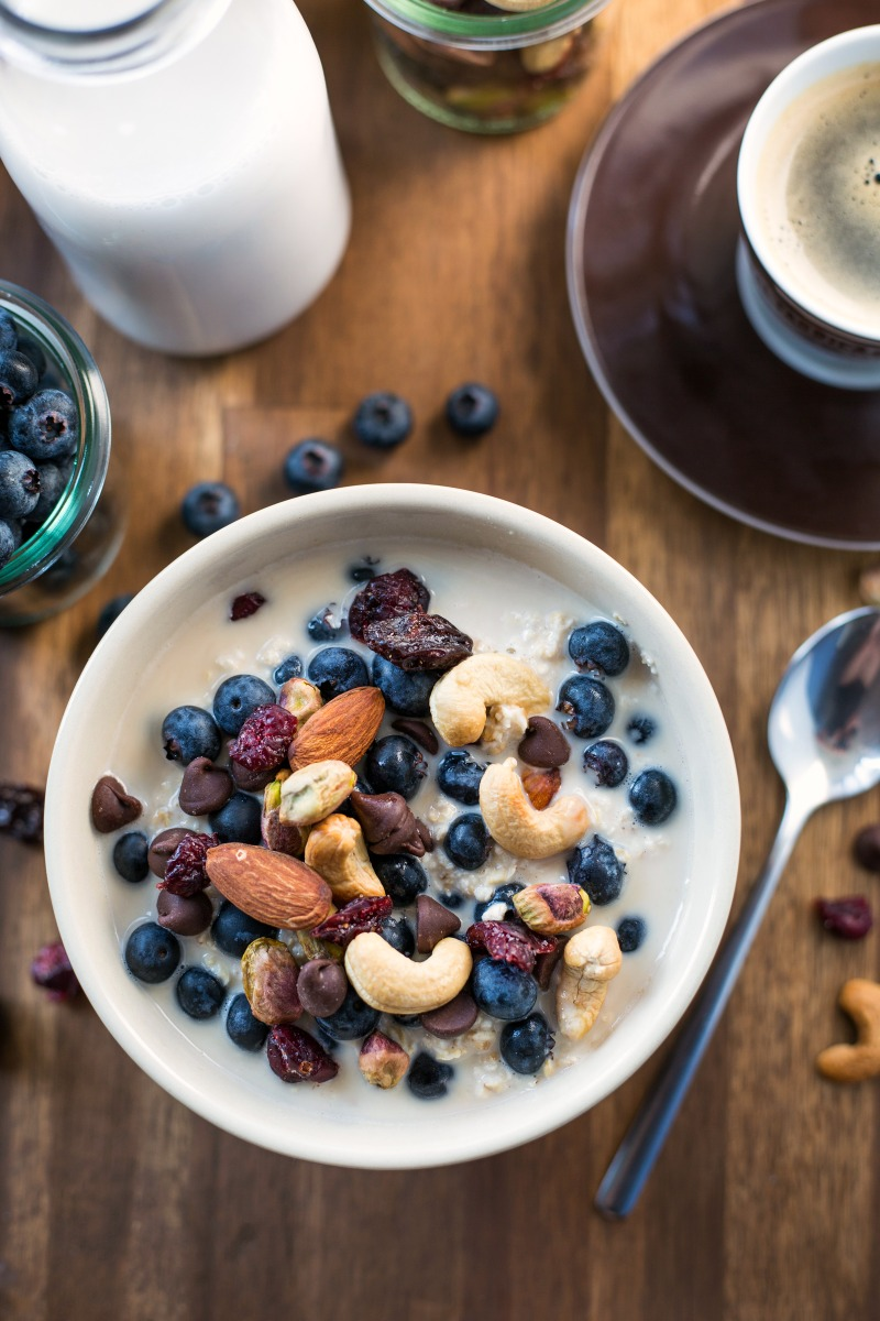 trail mix overnight oats