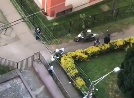 カバディスキル99。チリで5台のバイク警官から逃げ切った男の動画が話題に。