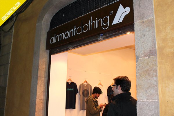 Airmont clothing