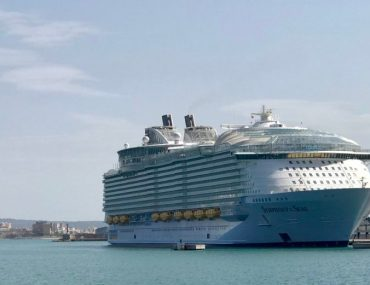 Symphony of the Seas Royal Caribbean in Palma de Mallorca Spanien