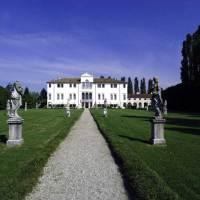 Wohnen auf den Spuren von gekrönten Häuptern – Schlosshotels & Herrenhäuser