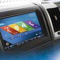 Clarions Multimedia-Station NX706EC mit Navigation und illustrierten POIs für Wohnmobile