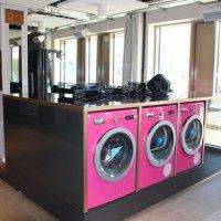 """Rosarote Waschmaschinen und eine """"Open Lobby 4.0"""" in München"""