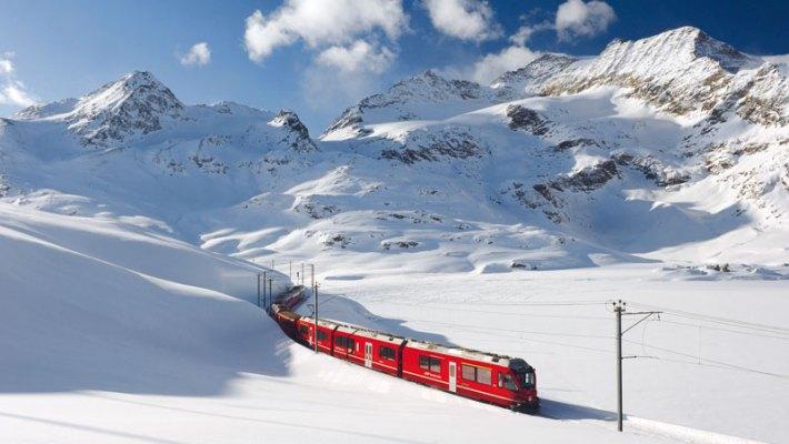 Spektakuläre Alpenüberquerung im Winter mit dem Bernina Express