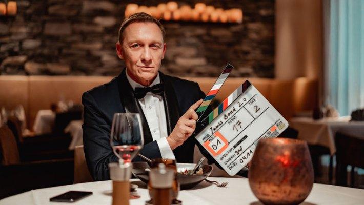 Bekanntester Agent der Welt versteckt sich vor Hollywood im Schweizer Berg-Hideaway