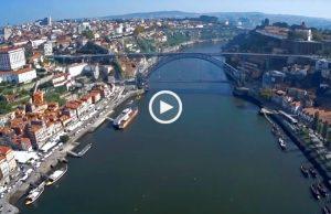 Voando sobre a magnífica cidade do Porto