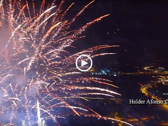 Fantástico! Drone no meio de Fogo de Artifício! (Ultra Alta Definição)