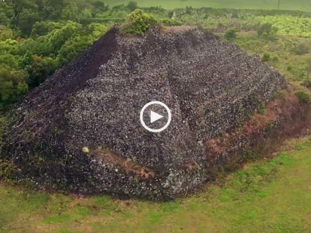 Pirâmides descobertas nos Açores