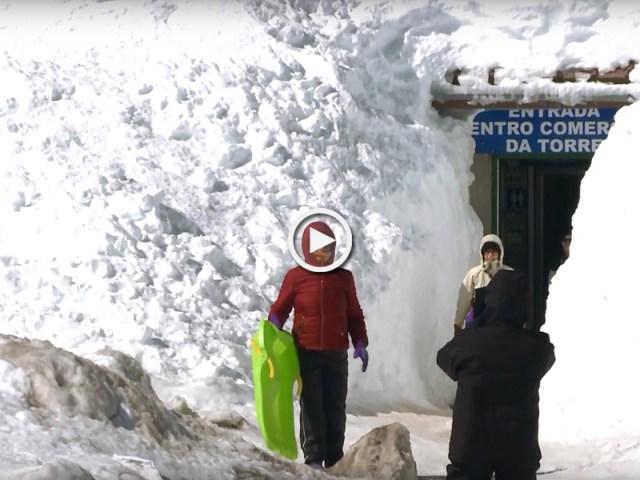 Serra da Estrela coberta com o maior nevão do século