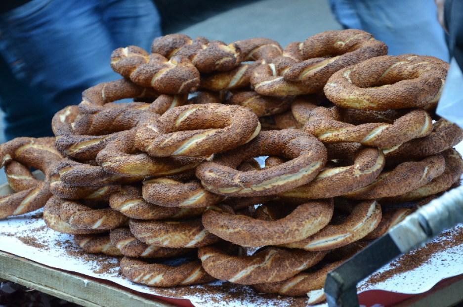 turecké typické sezamové pečivo (Simit)
