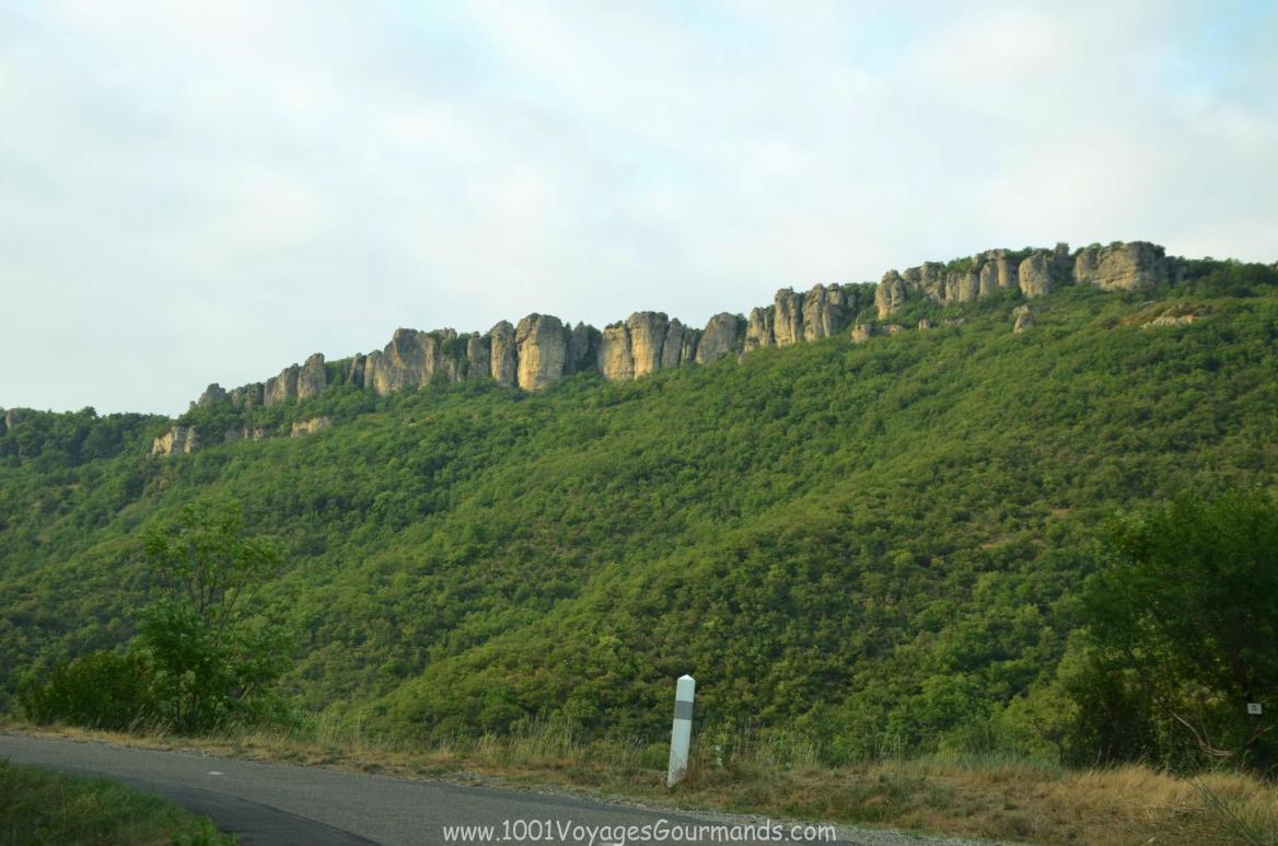 okolí jeskyně La Grotte de Labeil