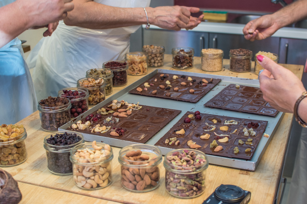 Where else you can learn more about chocolatethan in Brussels, the chocolate capital of the world? Last weekend, me and my sister took part in the chocolate workshop with Laurent Gerbaud. And here is how we spent the 1h30 minutes long informative as well as practical session.
