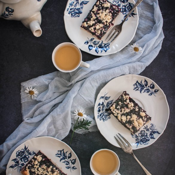 TYou will love this blueberry cake! It is a smooth and tasty yeast cake with wild blueberries and crumble topping which all together taste marvellous!
