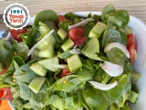 Semizotlu Ev Salatası tarifi nasıl yapılır