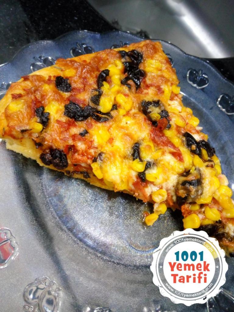 Ev Yapımı Pizza Tarifi- evde karışık pizza nasıl yapılır