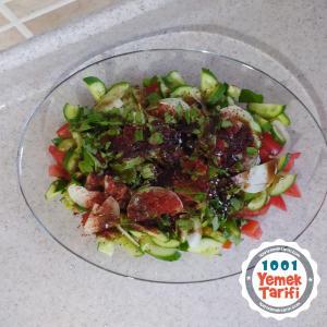 Yaz Salatası tarifi-Nasıl Yapılır-kaç kalori