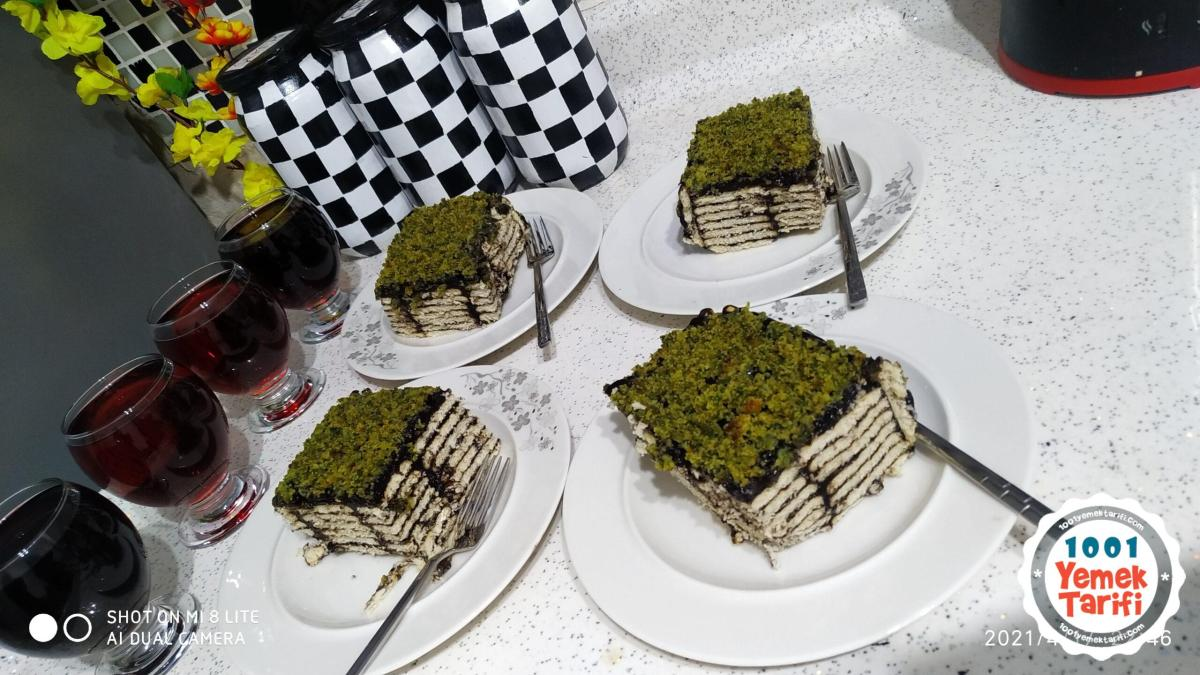 ıspanaklı pasta tarifi-bisküvili pasta yapımı-kaç kalori