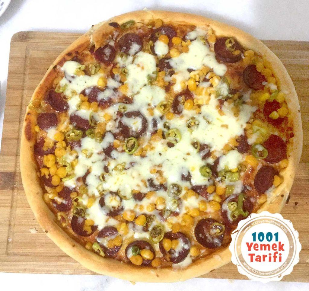 evde-pizza-tarifi-pizza-yapimi-pizza-hamur-pizza-yapimi-nasil-yapilir-karisik-pizza-hamuru-1001yemektarifi