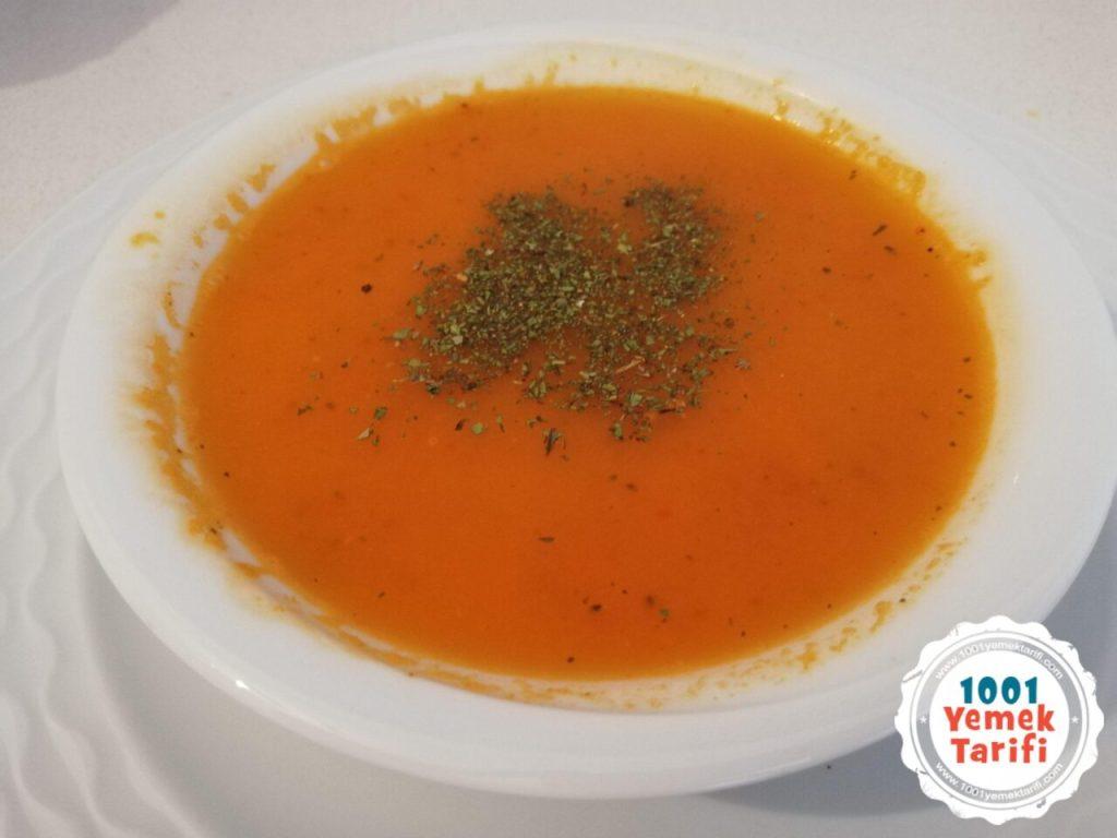 ev yapımı domates çorbası tarifi-kolay domates çorbası nasıl yapılır-kaç kalori