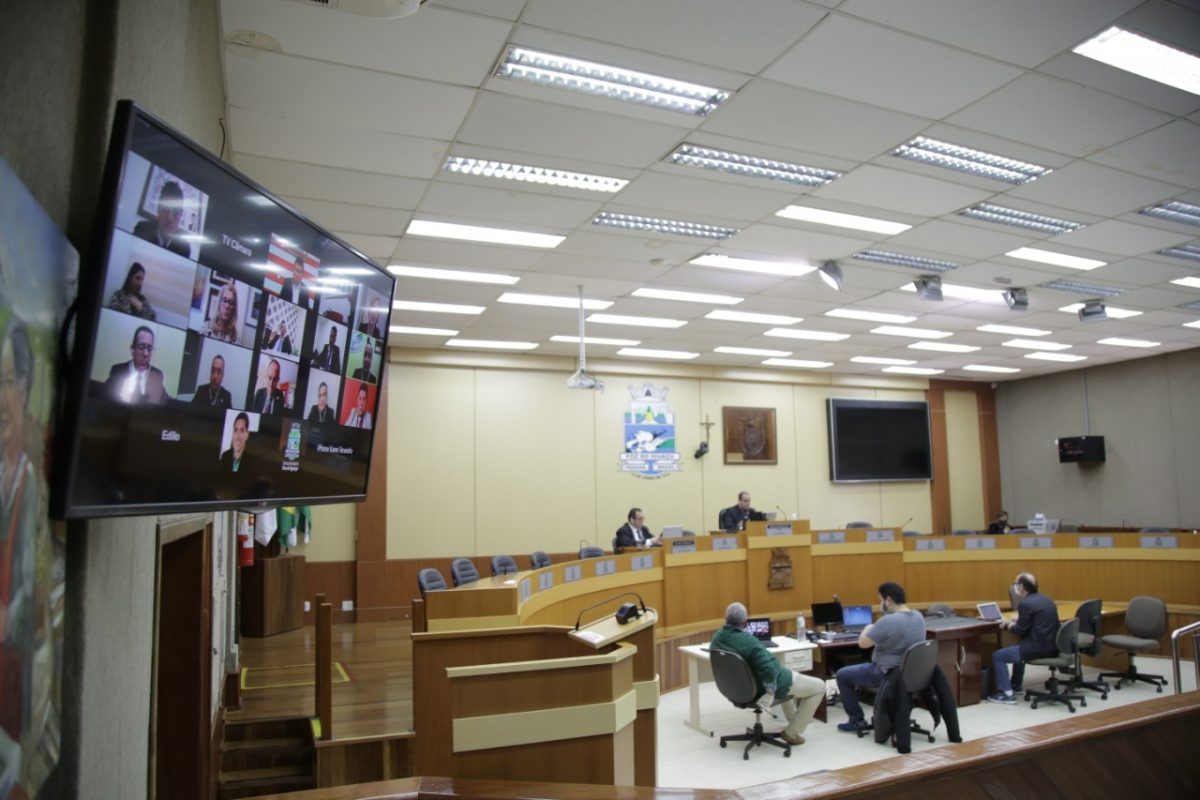 Revista 100fronteiras recebe moção de aplausos na Câmara de Vereadores