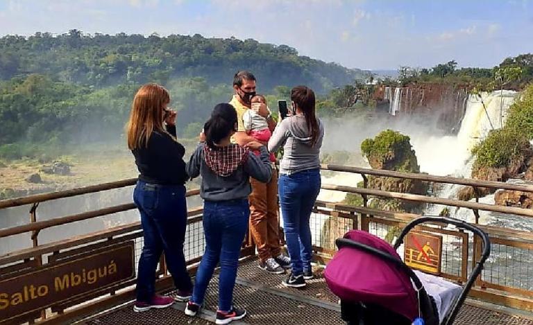 cataratas-do-iguazú-visitantes