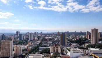 cidade-foz-do-iguaçu-exemplo-no-paraná-enfretamento-isolamento-social-combate-pandemia-covid-19