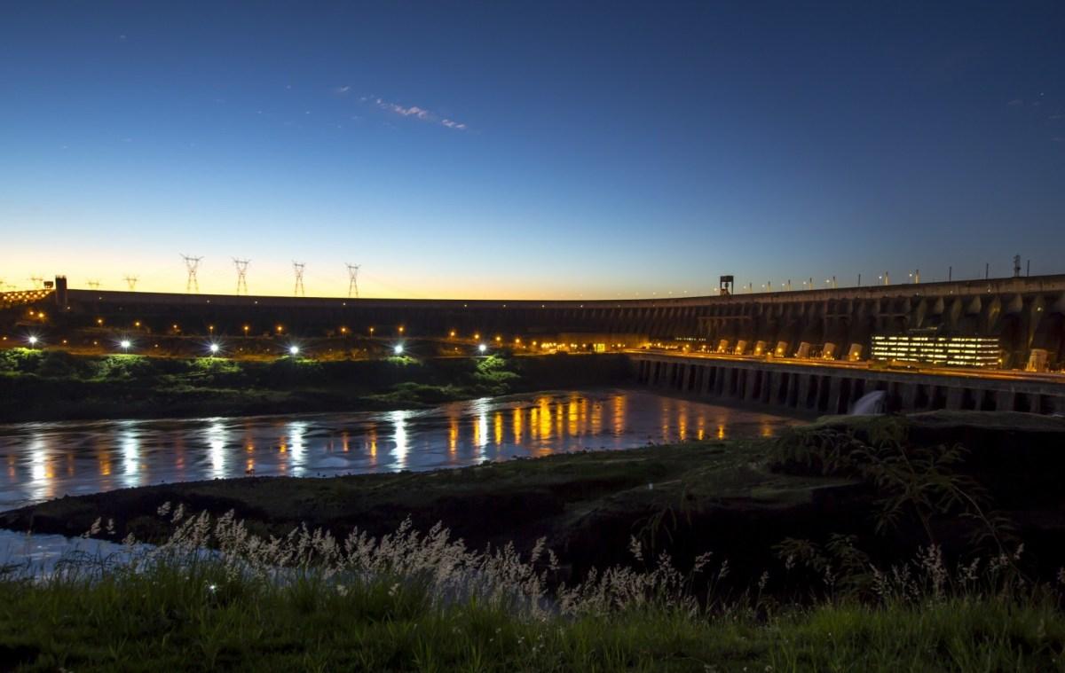 vertedouro de Itaipu última abertura 18 e 29 de maio de 2020