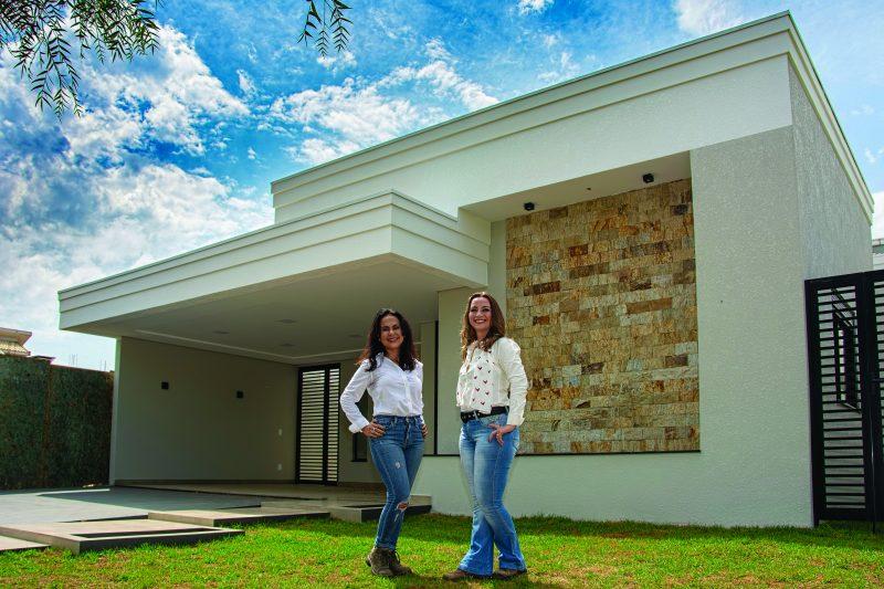 Ana Paula e Priscila da Akra Construtora