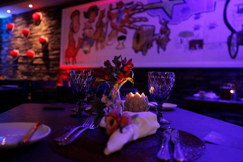 Mesa decorada para o dia dos namorados no Restaurante Terrazza no Vivaz Cataratas