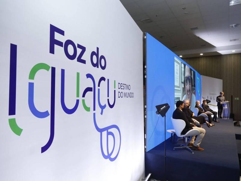 visit-iguassu-lança-nova-identidade-foz-do-iguaçu-2021