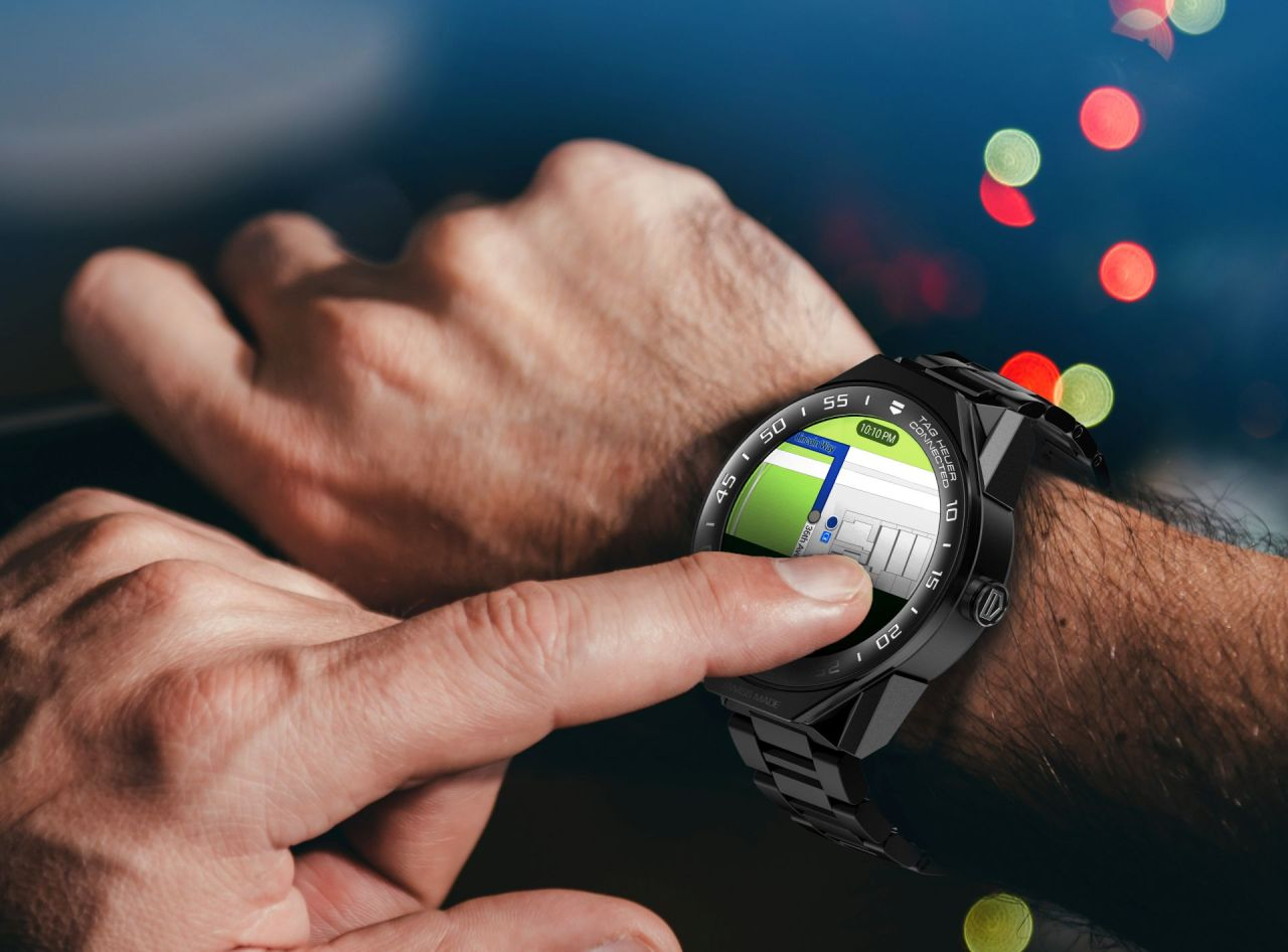 Man using smart watch