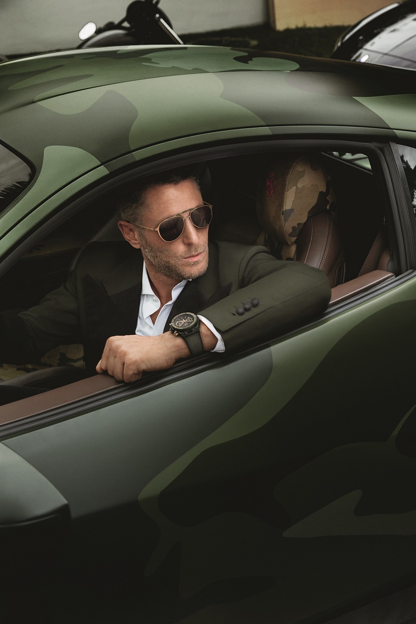 Lapo-Elkann-wearing-the-watch-and-the-sunglasses[1]