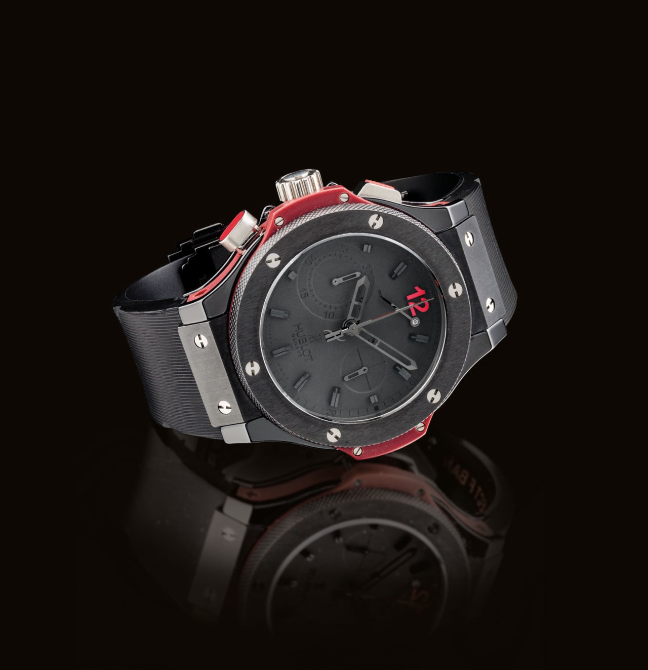 2018_HGK_16128_2232_000(hublot_an_unusual_black_ceramic_and_rubber_limited_edition_automatic_l)