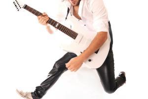 Alex Richmond, Smokin' Mirrors guitarist answers Twenty Questions with 100% ROCK MAG