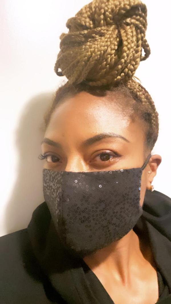 jully-black-masks-black-sequence