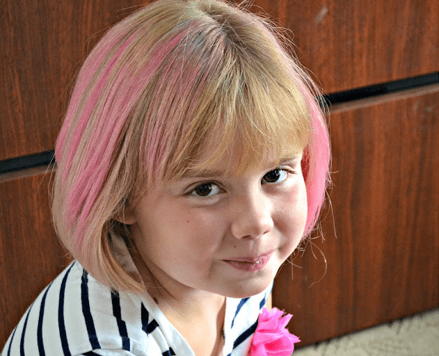 Hair chalking - a fun, and temporary, idea for the kids
