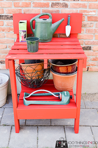 Pallet potting bench, pallet projects, DIY potting bench, simple potting bench