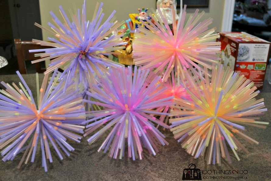 Use drinking straws to make outdoor Holiday ornaments