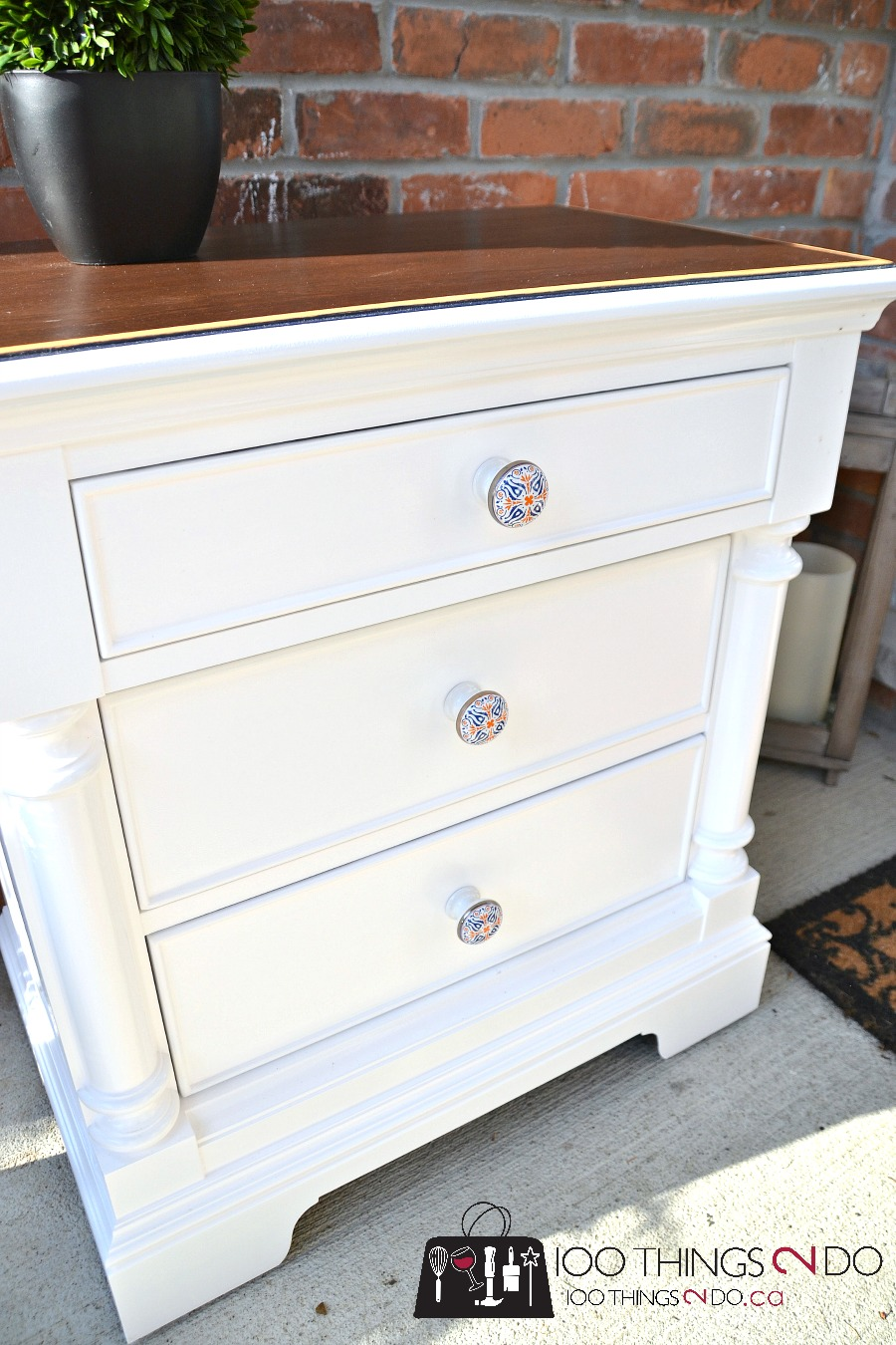 White nightstand makeover with Trinca-Ferro knobs