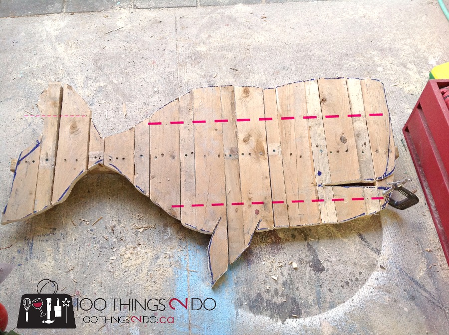 Pallet Projects - Fence Art Whale