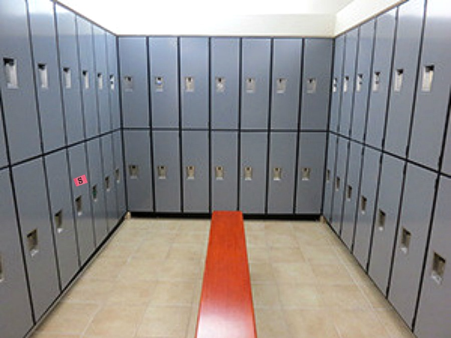 locker magnets, DIY locker magnets, identifying your locker at the gym, gym lockers, where's my locker