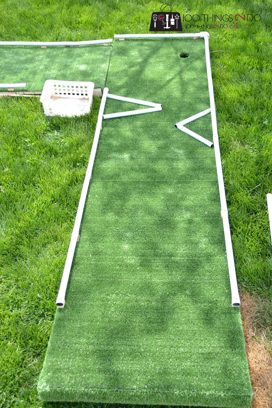 DIY Mini Golf - as designed by 6 and 9 year-olds | 100 Things 2 Do Back Yard Mini Miniature Golf Course Design on back yard golf course green, homemade miniature golf course, mini golf course, back yard putt-putt course,