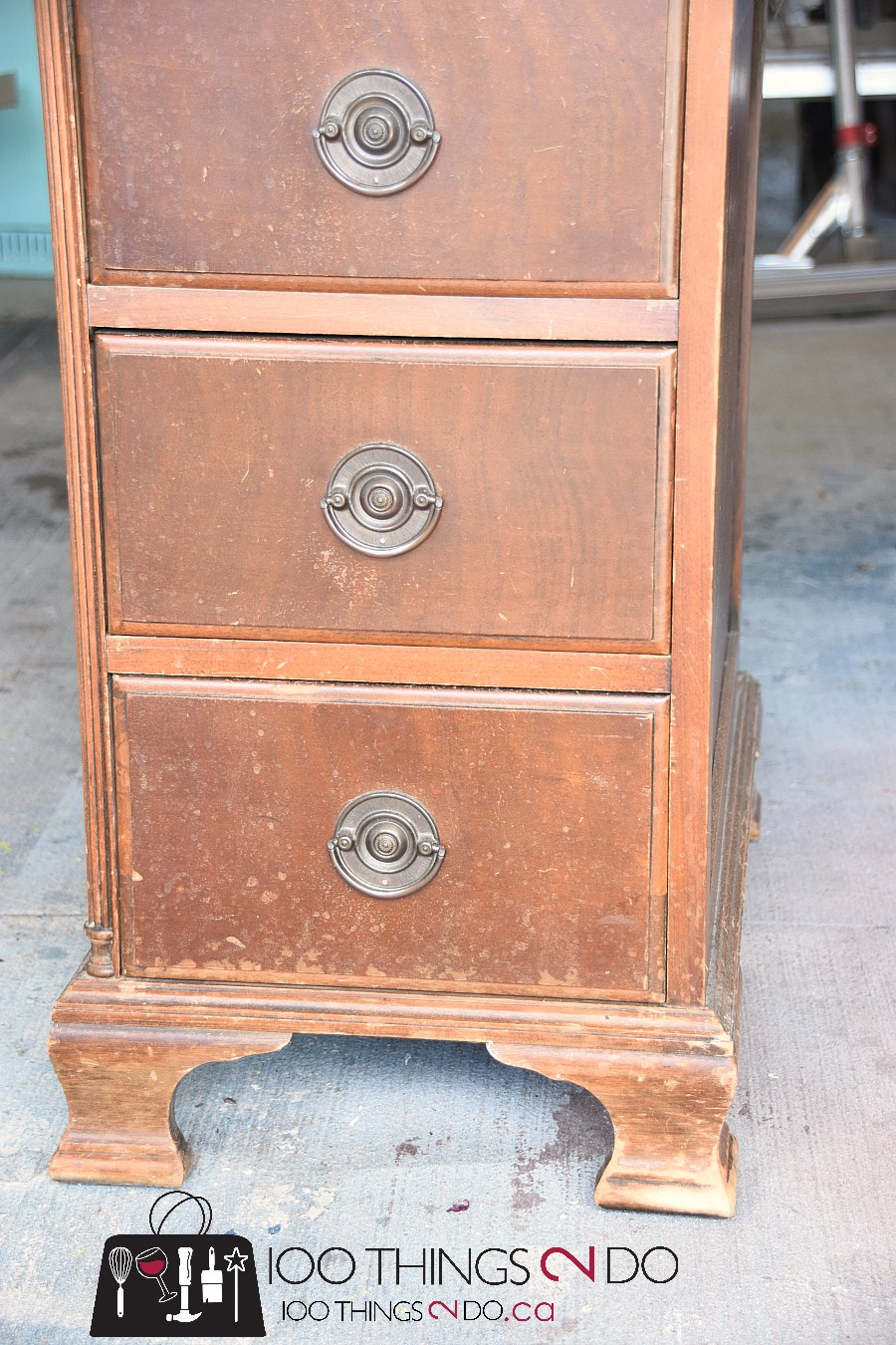 Desk makeover, gray desk, two tone desk, grey desk, antique desk, refinished desk, painted desk