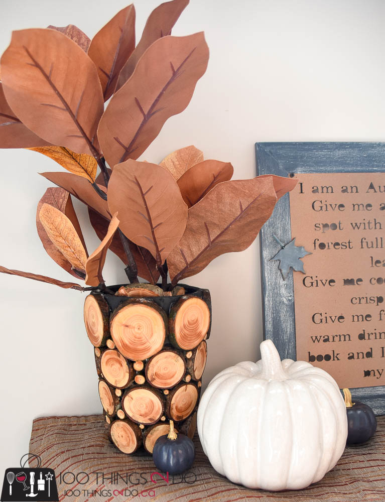 Branch slice vase, branch slice decor, using branches in your decor, log slice decor, Fall decor, Fall DIY, Autumn decor, Fall vignette, wood slice project