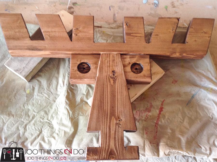20 Simple Christmas DIYs, wood moose, Christmas DIY, Easy Christmas crafts, DIY Christmas decor