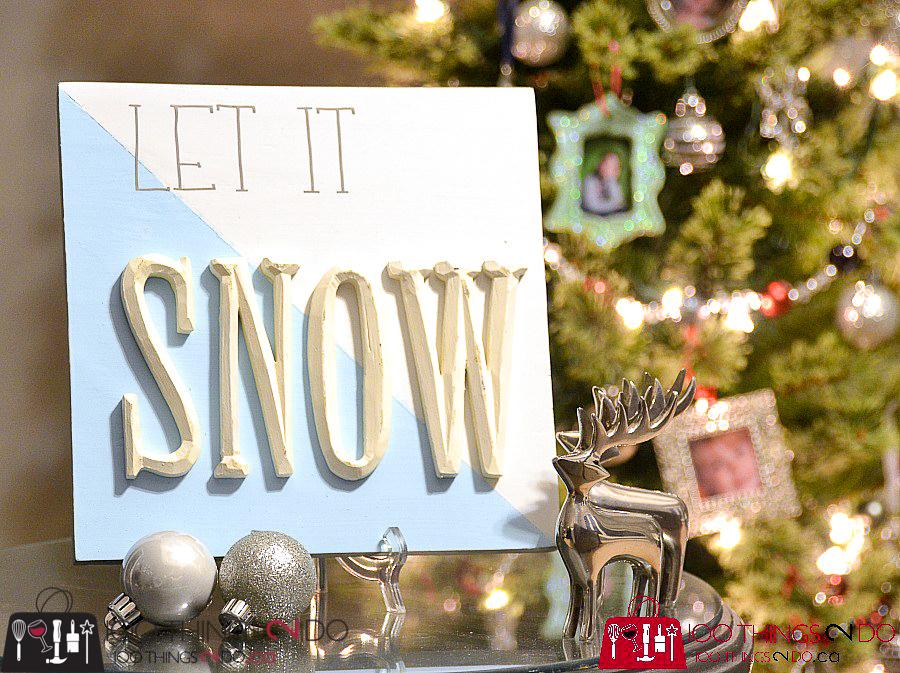 20 Simple Christmas DIYs, Christmas sign, wood Christmas sign, let it snow, Christmas DIY, Easy Christmas crafts, DIY Christmas decor